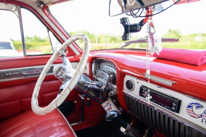 Amerykańscy retro samochody w Kuba obrazy stock