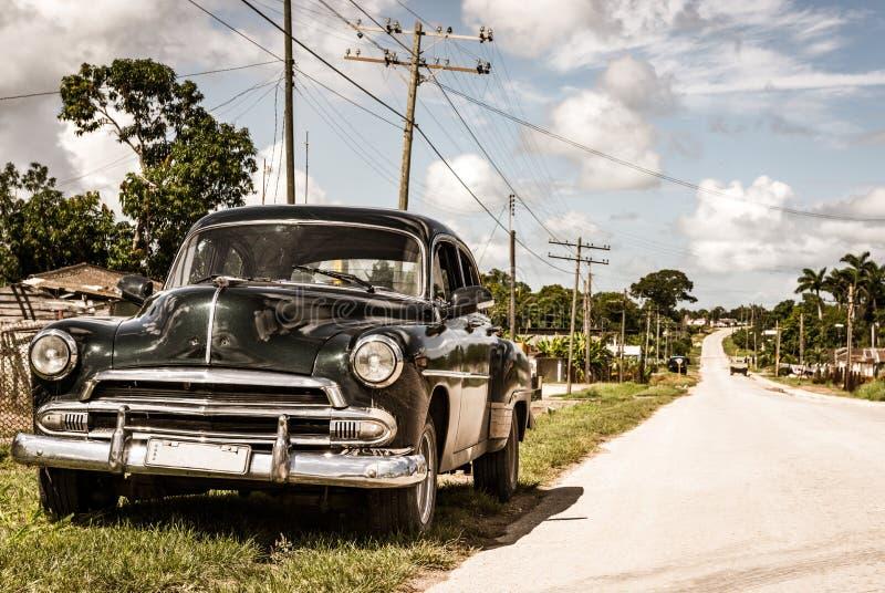 Amerykański czerń rocznika 1951 samochód na wiejskiej drodze w Quintin Banderas miasto Santa zdjęcia royalty free