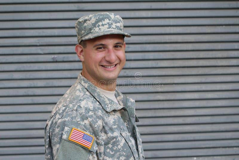 Amerykańskiego wojsko żołnierza Uśmiechnięty zakończenie Up obrazy royalty free