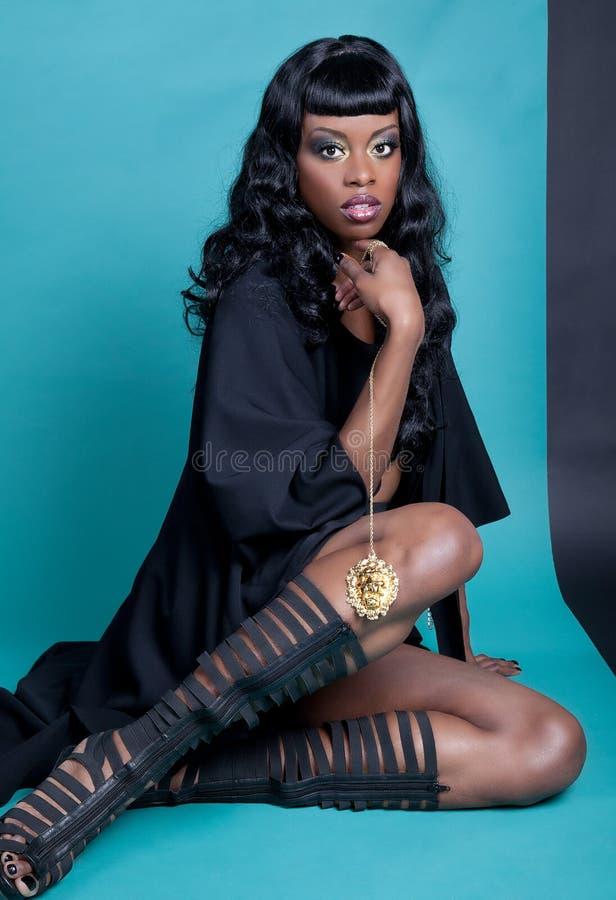 Amerykanin Afrykańskiego Pochodzenia modela target337_0_ zdjęcia stock
