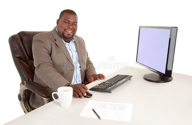 Amerykanin afrykańskiego pochodzenia uśmiechnięty Biznesmen fotografia royalty free