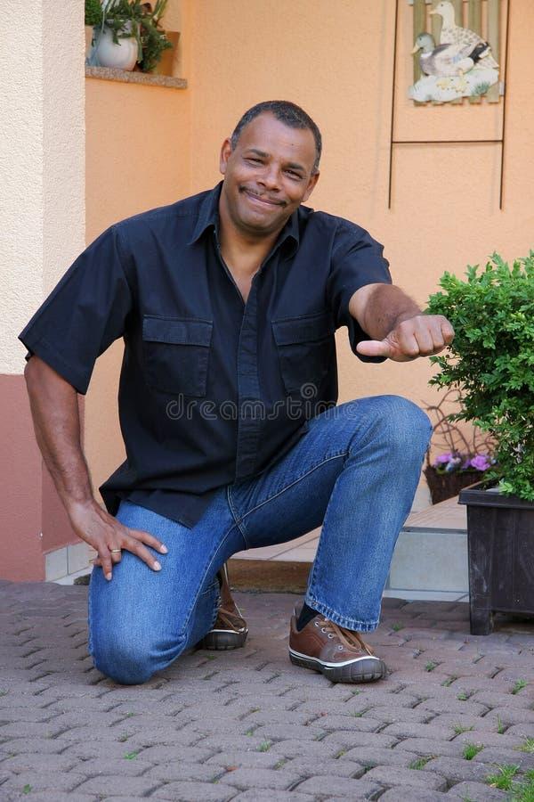 amerykanina afrykańskiego pochodzenia mężczyzna pomyślny obrazy stock