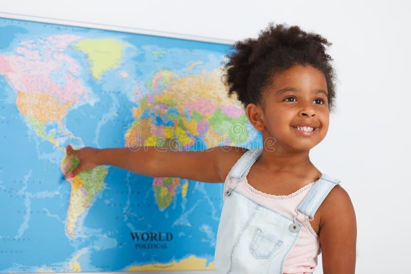 Amerykanina afrykańskiego pochodzenia preschool dziewczyna zdjęcia royalty free