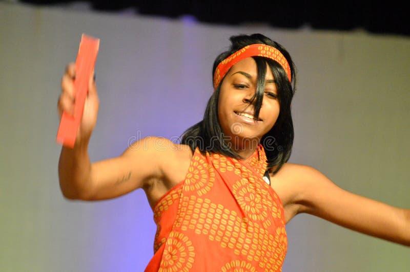 Amerykanina Afrykańskiego Pochodzenia tancerz obraz stock