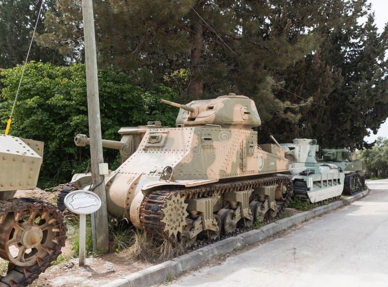 Amerykanina M3 Grant zbiornik jest na Pamiątkowym miejscu blisko Opancerzonych korpusów Muzealnych w Latrun, Izrael obraz stock