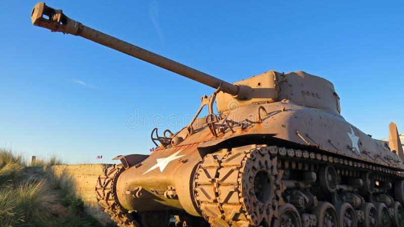 Amerykanina WW2 M4 Sherman zbiornik podczas zmierzchu fotografia stock