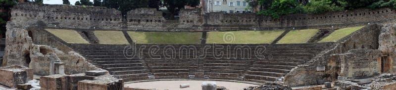 Download Amfiteater i Trieste redaktionell arkivbild. Bild av sommar - 78728982