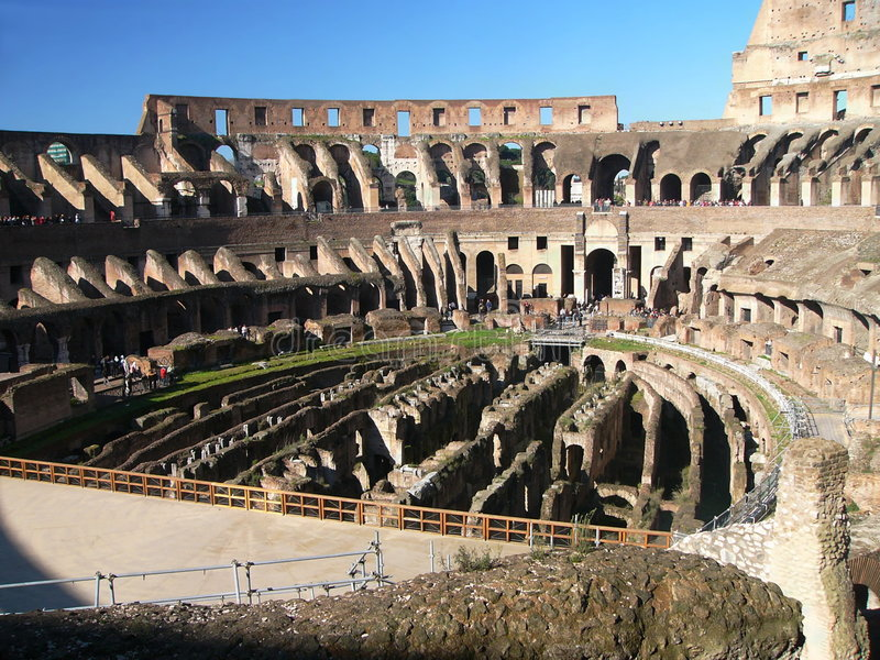 amfiteatercolosseum berömd flavian ita rome royaltyfria bilder