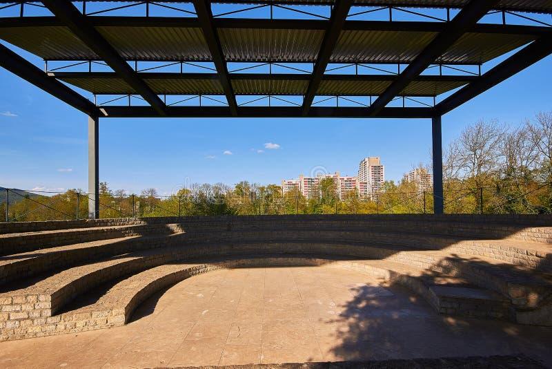 Amfitheater van Augusta Raurica Roman-theater stock foto's