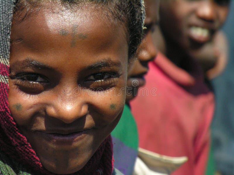 Amhara, Etiopia, l'11 dicembre 2006: Sorridere rurale della ragazza immagine stock