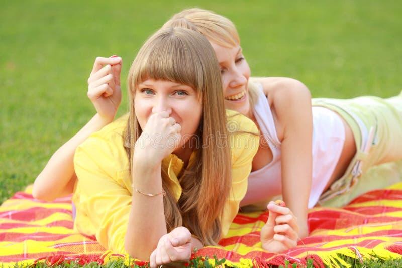 Amici divertenti fotografie stock libere da diritti
