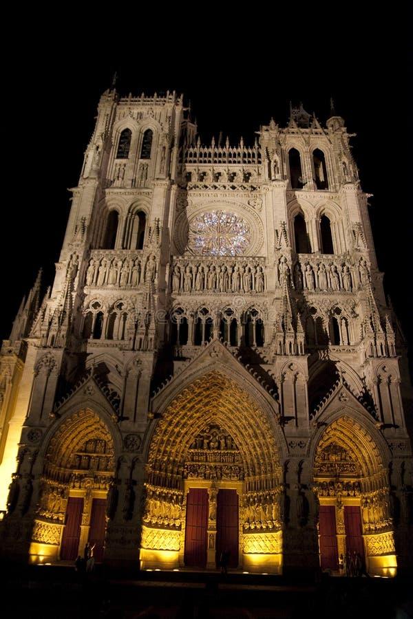Amiens-Kathedrale-Hauptleitungs-Fassade stockfoto