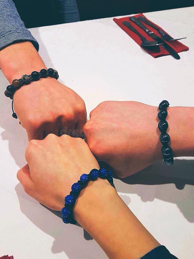Amigos de las pulseras foto de archivo libre de regalías