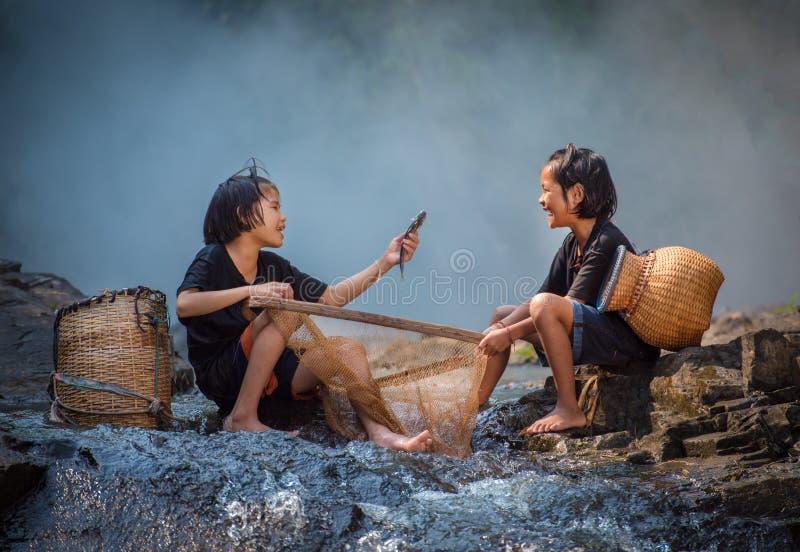 Amigos de muchachas felices imagen de archivo libre de regalías