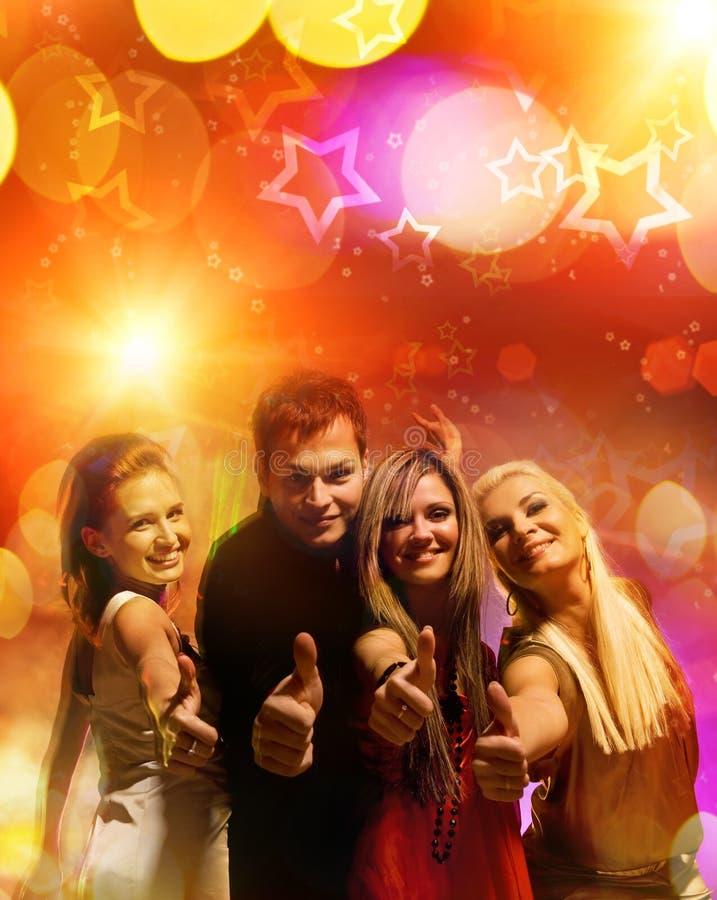 Amigos no clube de noite foto de stock