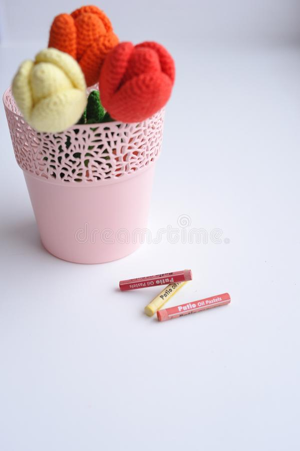 Amigurumi-Spielzeug Tulpenblumen lizenzfreie stockfotografie