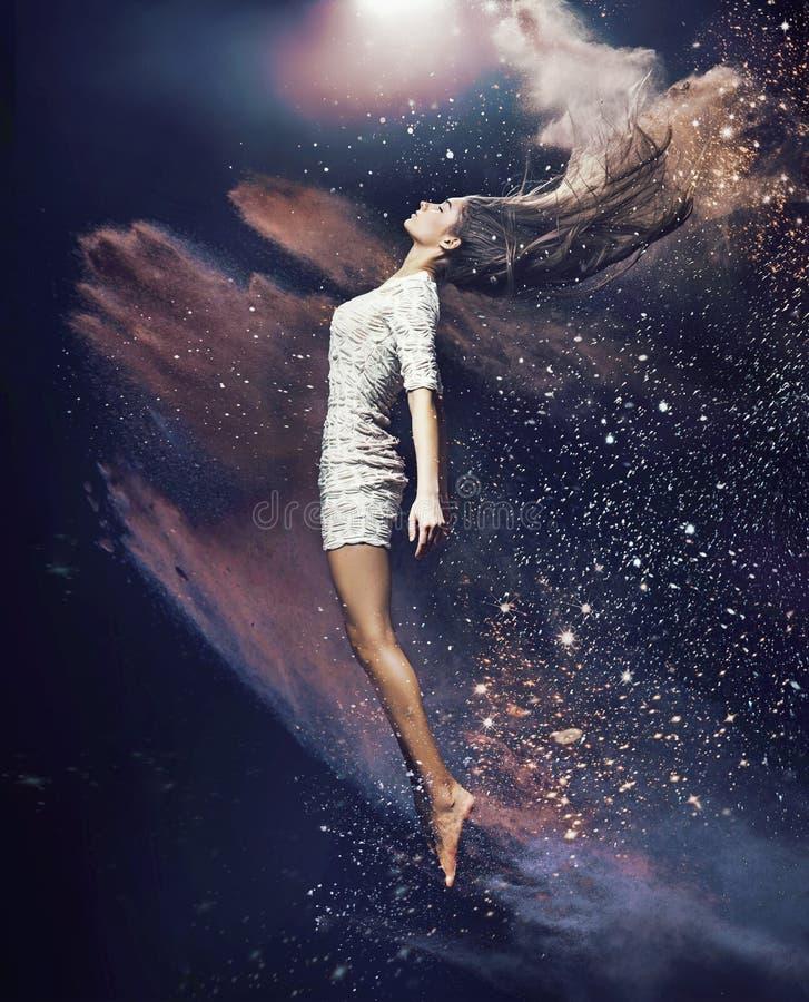 Amincissez et adaptez le danseur classique photographie stock
