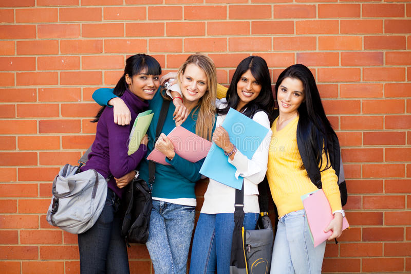 Amis d'université image libre de droits