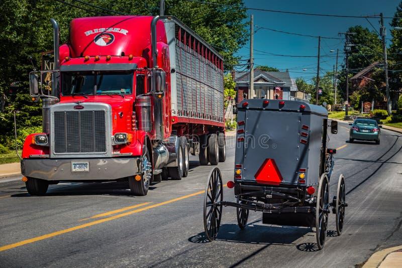 Amish ciężarówka i powozik obrazy royalty free