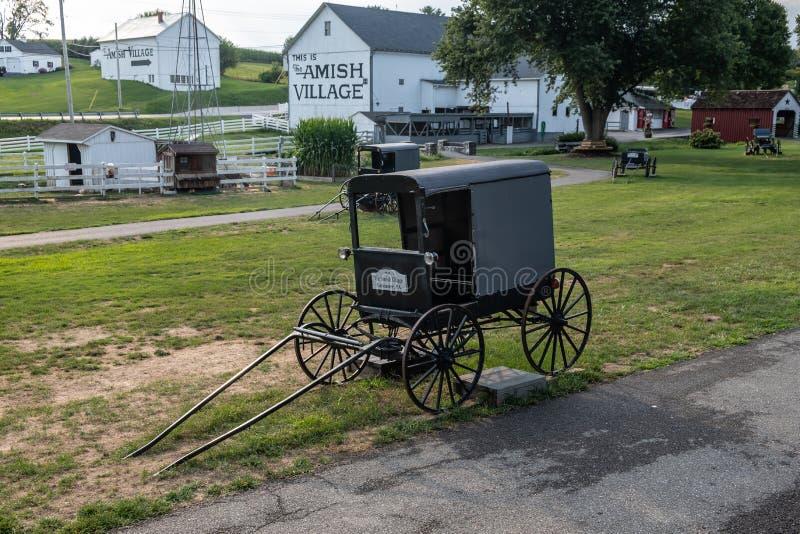 Amish Village and buggy, Pennsylvania royalty free stock photos