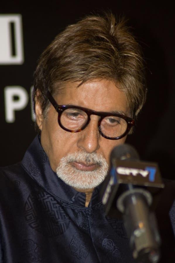 Amitabh Bachchan que atiende a estafa de la prensa en DIFF fotos de archivo