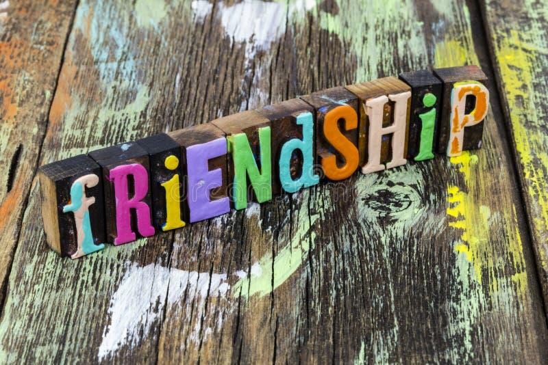 Amitié amour ensemble bonheur amis partenaire diversité relation images libres de droits