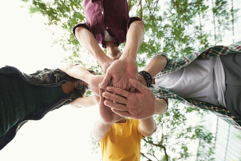 amitié vraie photos libres de droits