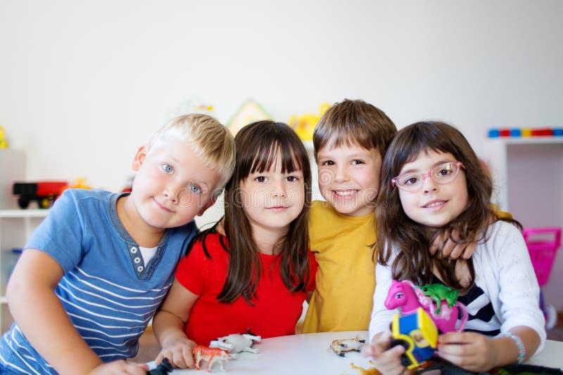 Amizade do jardim de infância foto de stock royalty free