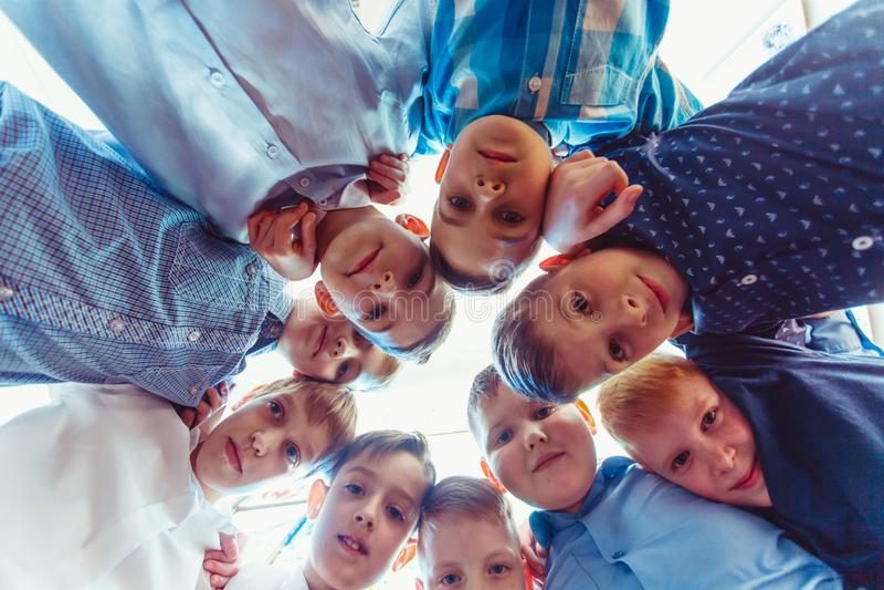 Amizade robusta da infância fotografia de stock