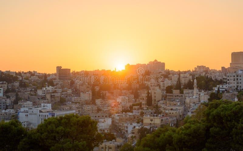 Amman Jordan Middle East solnedgångcityscape royaltyfri fotografi