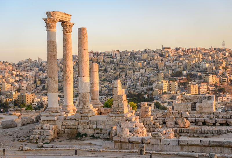 Amman Jordan Middle East solnedgångcityscape arkivfoton