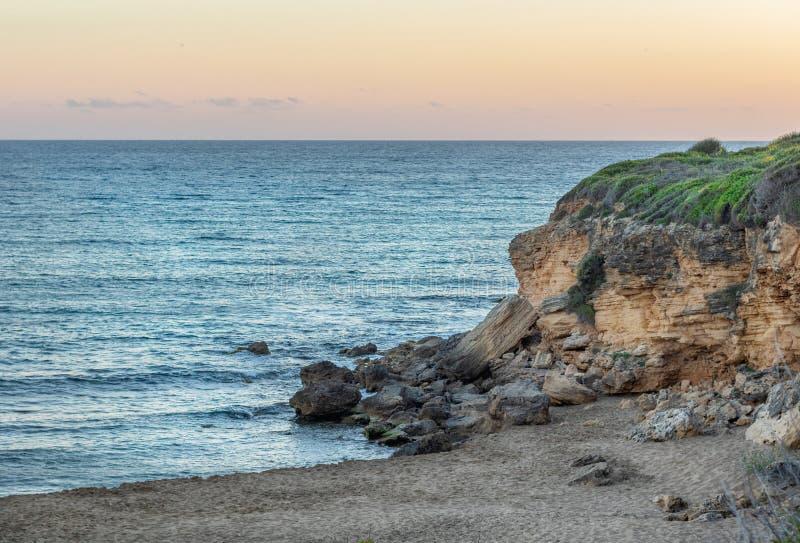 Ammesstrand na de zonsondergang op het eiland van Kefalonia/Cephalonia-, Griekenland stock afbeeldingen