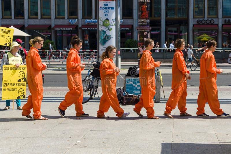 Amnesty International aktywistów protest przy Potsdamer Platz zdjęcie royalty free