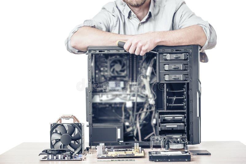 Amo de la reparación del ordenador imagenes de archivo