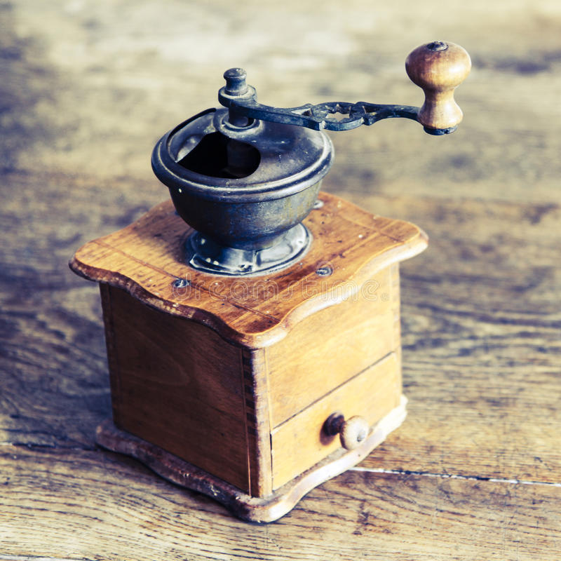 Amoladora de café manual del vintage foto de archivo libre de regalías