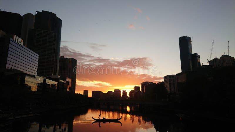 Amor da cidade do por do sol imagens de stock