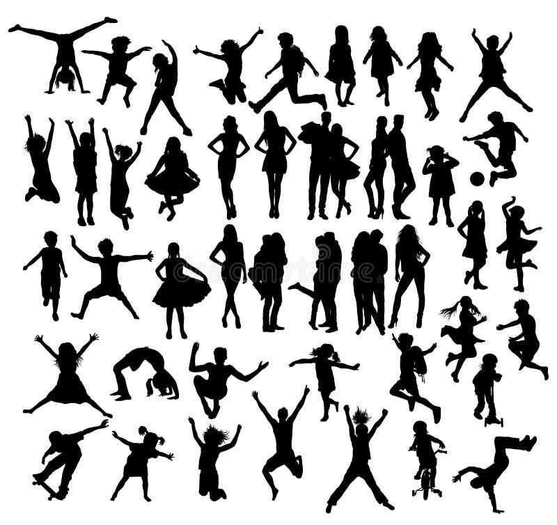 Amor de los pares y niños felices que saltan siluetas ilustración del vector