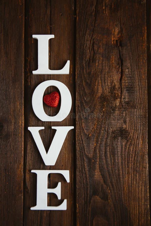 amor de madeira da palavra fotografia de stock