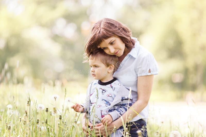 Amor de madre imagenes de archivo