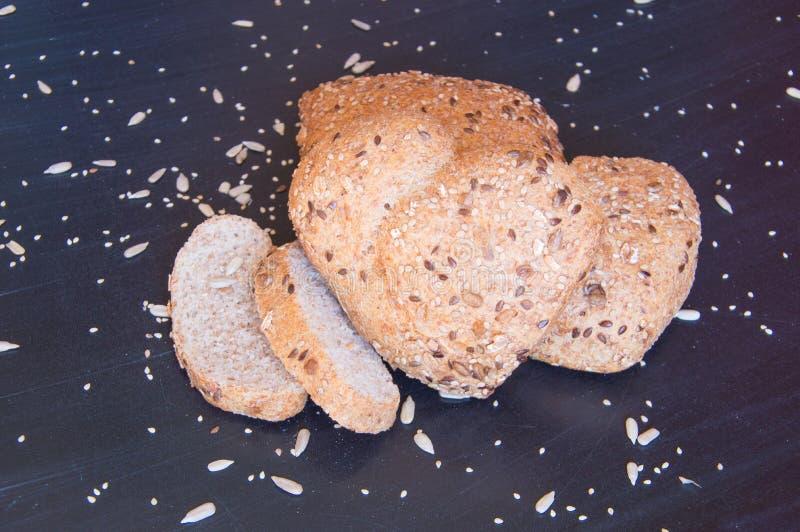 Amor e paixão para o fim do pão de wholemeal acima fotografia de stock