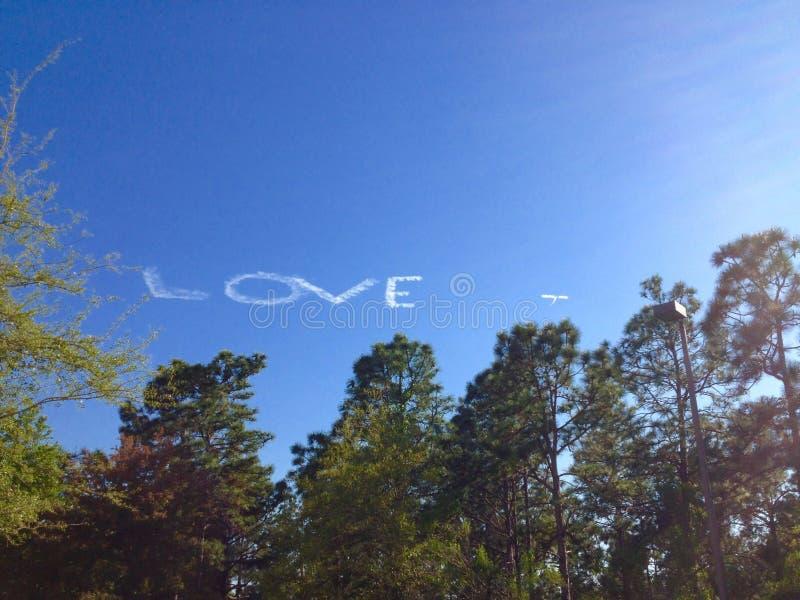Amor en cielo imagen de archivo libre de regalías