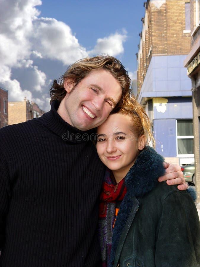 Amor en la ciudad imagen de archivo
