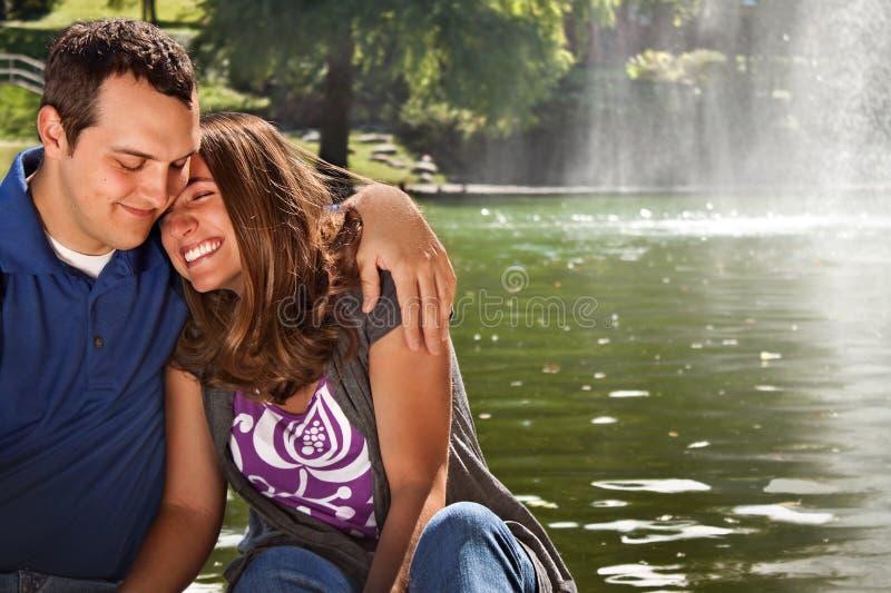 Amor feliz dos pares fotografia de stock royalty free