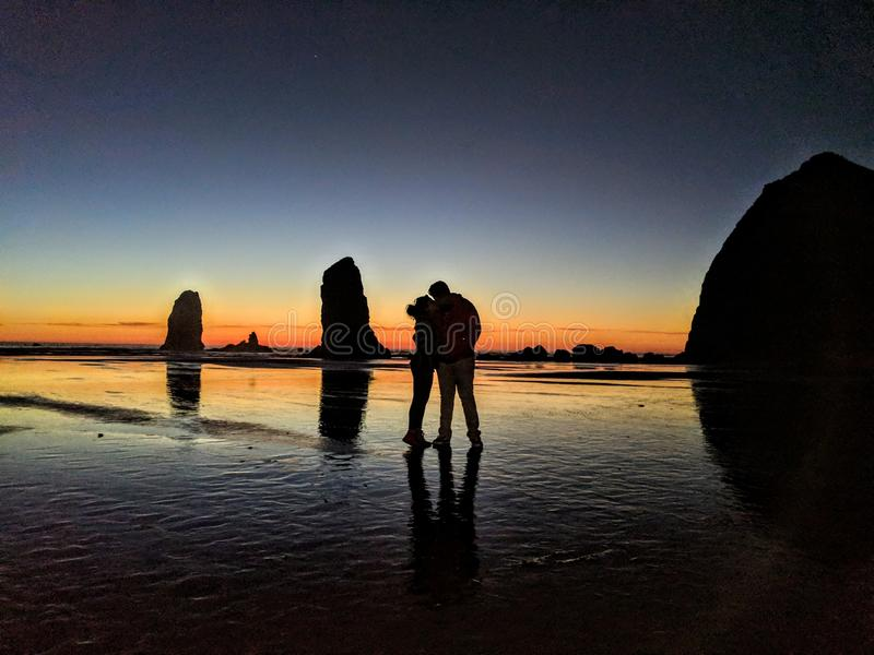 Amor na praia do canhão foto de stock