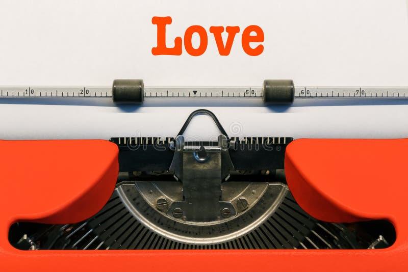 Amor nas letras foto de stock