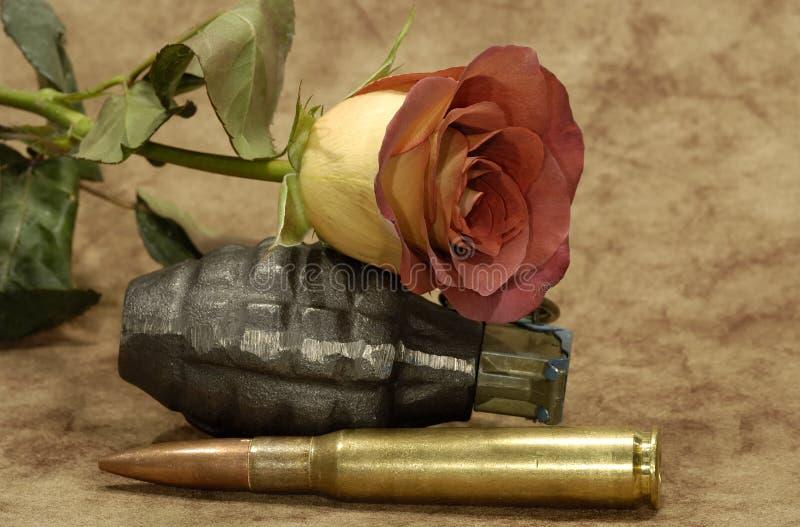 Amor y guerra imagen de archivo libre de regalías