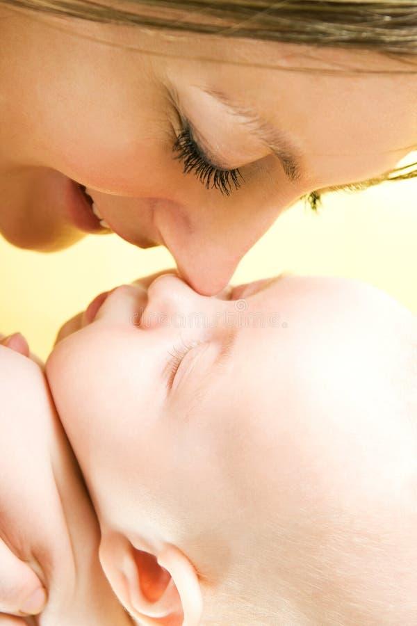 Amore della madre immagine stock libera da diritti