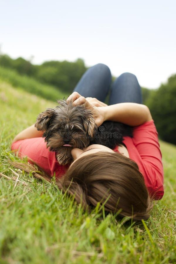 Amore di cucciolo fotografia stock libera da diritti