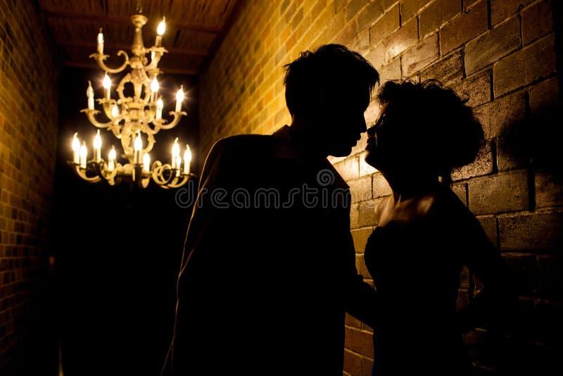 Amore e Romatic delle coppie di Sillhouette fotografia stock