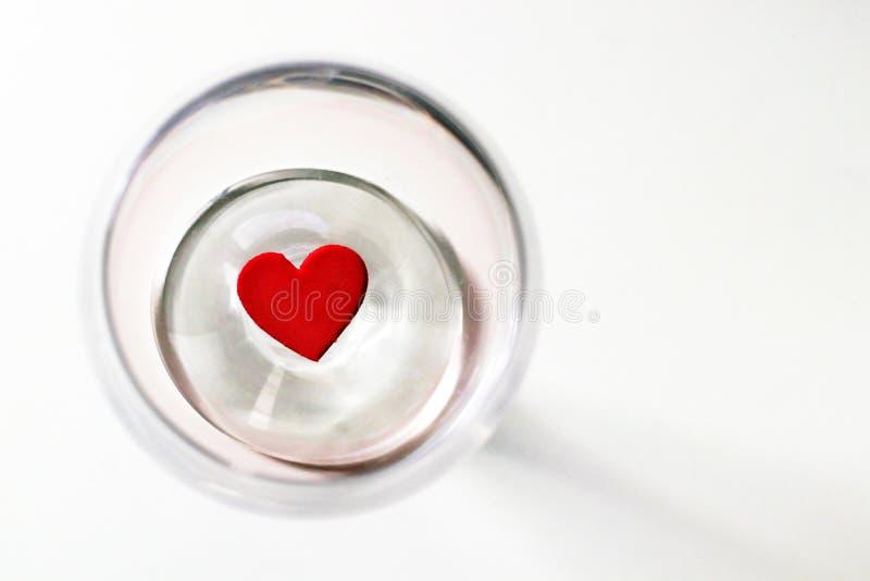 Amore nei cerchi, giorno del cuore di biglietti di S. Valentino fotografie stock libere da diritti